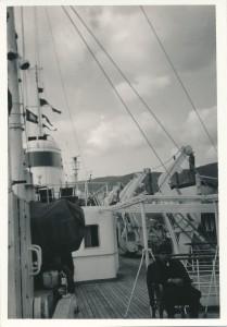 バイカル号の甲板。このロシア人は、同じ船だったロシアの文豪ショーロホフさん(たぶん)