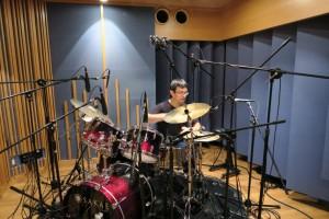 Nobuyoshi Takahashi (drums)